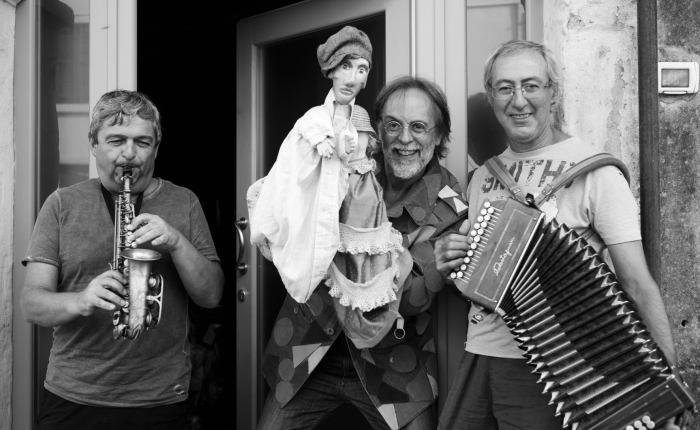 """DALLA PICCIONAIA: LE NOTTI DI SAN MICHELE """"Festival dei burattini in musica."""" 5 · 12 · 19 · 26settembre."""